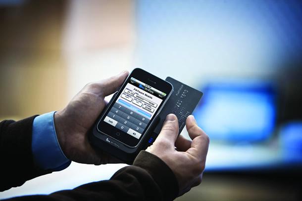 Pagar con tarjeta móvil